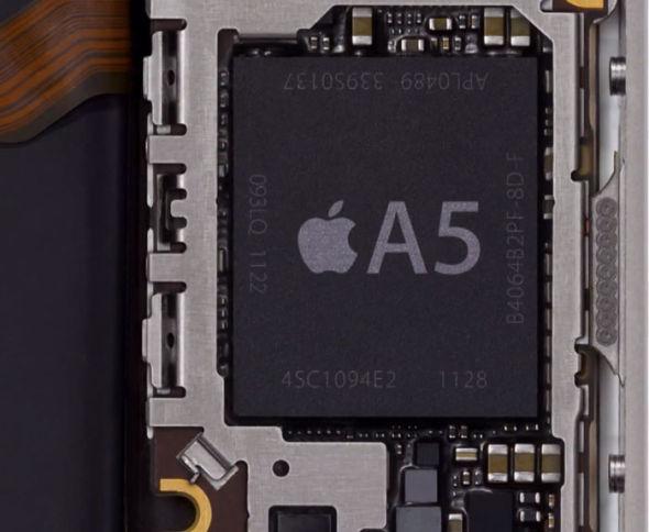 苹果去年推出的iPhone4S配备了定制的A5双核处理器。 北京时间7月6日凌晨消息,据台湾科技网站DIGiTimes周四报道,苹果下一代iPhone将配备基于三星Exynos4架构的四核ARM处理器。 DigiTimes援引远东业内消息人士的言论作出了这一报道,但并未透露有关这种处理器的其他细节,如时钟频率和图形处理能力等。 苹果去年推出的iPhone4S配备了定制的双核处理器,其时钟频率为800兆赫,被苹果成为A5处理器。这款处理器最早是在iPad2上使用的,比搭载iPhone4S的时间早了几个月